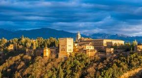 Panoramaansicht des Alhambra-Palastes, Granada, Spanien lizenzfreies stockbild