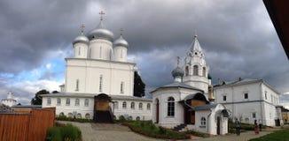 Panoramaansicht innerhalb des Kirchengebiets Lizenzfreie Stockbilder