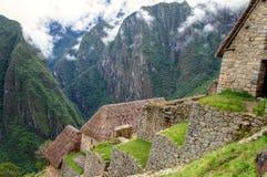 Panoramaansicht Machu Picchu zu den Wänden und zu den Bergen stockfotos