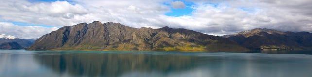 Panoramaansicht von Wakatipu See Lizenzfreie Stockfotos