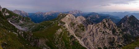 Panoramabeeld van Mangart-pas, Julian Alps, het nationale park van Triglav, Slovenië, Europa royalty-vrije stock afbeeldingen