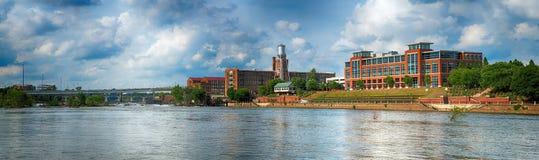 Panoramabild von Gebäuden in im Stadtzentrum gelegenem Columbus, Georgia Lizenzfreies Stockbild
