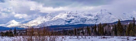 Panoramabild von Polebridge, M.Ü. des Glacier Nationalparks stockfotografie
