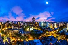 Panoramablick über Montevideo in Uruguay nachts Stockfotografie
