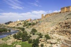 Panoramablick über Oum Errabia-Fluss und Stadt Kasba Tadla Lizenzfreies Stockbild