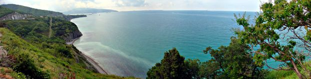 Panoramablick auf dem Schwarzen Meer nahe Gelendzhik Lizenzfreies Stockbild