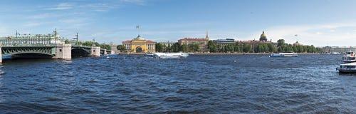 Panoramablick auf der historischen Mitte von Sankt Petersburg Lizenzfreies Stockfoto