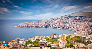 Panoramablick auf Sarande-Stadt, Albanien Stockbilder
