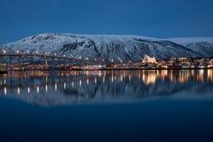 Panoramablick auf Tromso in Norwegen lizenzfreie stockfotografie