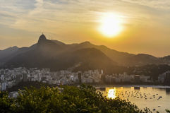 Panoramablick bei Sonnenuntergang in Rio de Janeiro, Brasilien lizenzfreie stockbilder