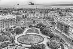 Panoramablick über St Petersburg, Russland, von Katze St. Isaacs Lizenzfreie Stockfotos