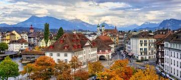Panoramablick der alten Stadt der Luzerne, die Schweiz lizenzfreie stockbilder