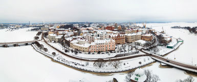 Panoramablick der alten Stadt im Winter Vyborg, Russland Lizenzfreies Stockfoto