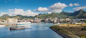 Panoramablick der Bucht des Hafens Louis Mauritius stockfotos