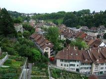 Panoramablick der Dachspitzen der Wohnhäuser in der Mitte von Bern stockfoto