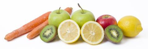 Panoramablick der Frucht auf weißem Hintergrund Früchte auf einem weißen Hintergrund Zitrone mit Äpfeln und Kiwi auf weißem Hinte Stockfotos