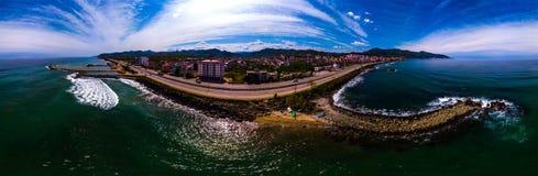 Panoramablick der Giresun-Stadt in der Türkei und der Küste von Querstation Lizenzfreies Stockfoto