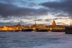 Panoramablick der historischen Mitte von St Petersburg Stockfotos