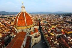 Panoramablick der Kathedrale Santa Maria del Fiore in Florenz, Italien Lizenzfreies Stockbild