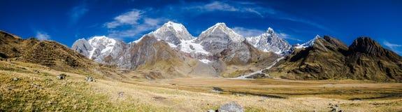 Panoramablick der Kordilleren Huayhuash, Peru Stockfotografie
