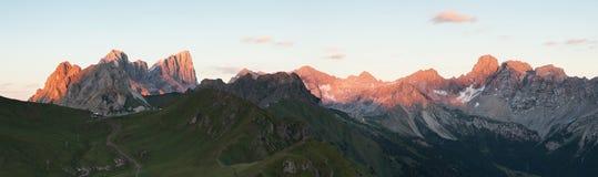 Panoramablick der Marmolada-Gebirgskante Stockbild