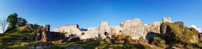 Panoramablick der mittelalterlichen Festung von PETRA Die archäologischen Aushöhlungen Tsikhisdziri, Kobuleti, Batumi, Adjara, Ge Stockbilder