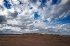 Panoramablick der Schlammvulkane lizenzfreie stockfotos