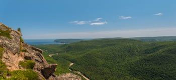 Panoramablick der Schlucht und der Küstenlinie Stockfoto