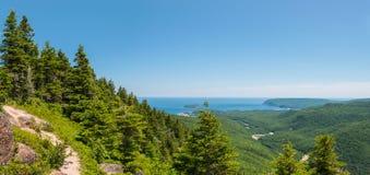 Panoramablick der Schlucht und der Küstenlinie Lizenzfreie Stockfotografie