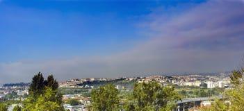 Panoramablick der Stadt von Coimbra in Portugal vom Standpunkt stockbilder