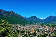 Panoramablick der Stadt von Domodossola, Italien Lizenzfreies Stockbild