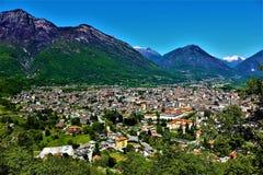Panoramablick der Stadt von Domodossola, Italien Lizenzfreie Stockbilder