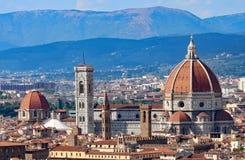 Panoramablick der Stadt von FLORENZ in Italien mit der Haube Lizenzfreie Stockfotos