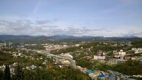 Panoramablick der Stadt von Sochi Stockfotos