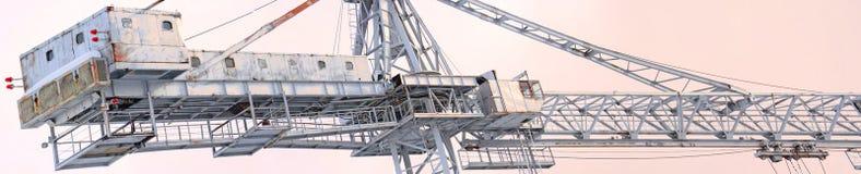 Panoramablick der Turmspitzekräne für Bau Lizenzfreie Stockfotografie