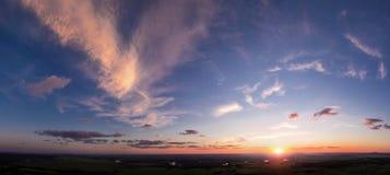 Panoramablick des Abendhimmels Stockfotos