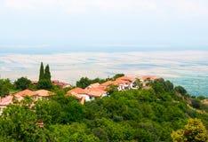 Panoramablick des Alazani-Tales von der Höhe des Hügels Lizenzfreies Stockfoto