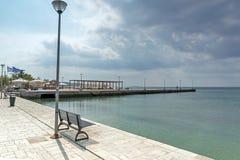 Panoramablick des Hafens von Nikiti an Sithonia-Halbinsel, Chalkidiki, Cent Lizenzfreie Stockfotos