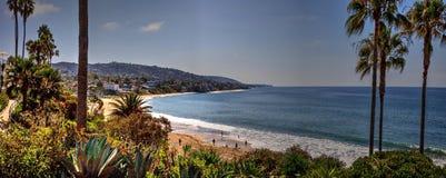 Panoramablick des Hauptstrandes, Laguna Beach stockfotografie