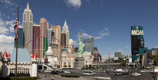 Panoramablick des neuen York-neuen Yorks und des Mgm- Grandkasinos Lizenzfreie Stockbilder