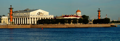 Panoramablick des Pfeiles von Vasilevsky-Insel Lizenzfreies Stockbild