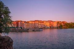 Panoramablick des Portofino-Bucht-Hotels, der ganzer Charme von Italien in Universal Studios-Bereich 1 lizenzfreies stockfoto