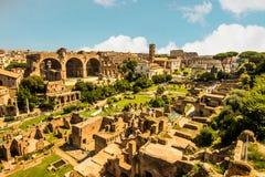 Panoramablick des römischen Forums lizenzfreie stockfotografie