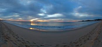 Panoramablick des Sonnenaufgangs über Strand in San Jose Del Cabo in Baja California Mexiko Lizenzfreie Stockfotos