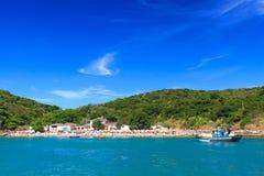 Panoramablick des Strandes Azeda, Búzios, Brasilien lizenzfreies stockbild