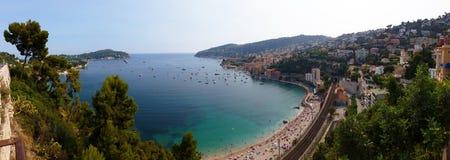 Panoramablick des Villefranche-sur-Mer (Taubenschlag d'Azur) Stockbilder