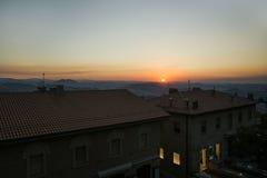 Panoramablick vom Dach in San Marinoin der Abend an Lizenzfreie Stockfotografie