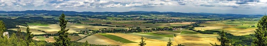 Panoramablick von Adrspach-Teplicefelsen Stockfotos