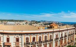 Panoramablick von Cagliari an einem vollen Tag Lizenzfreie Stockfotos