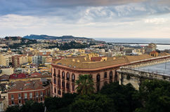 Panoramablick von Cagliari im Stadtzentrum gelegen bei Sonnenuntergang in Sardinien Lizenzfreie Stockfotografie